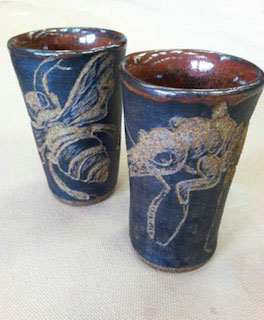 ant and bee scraffito cups